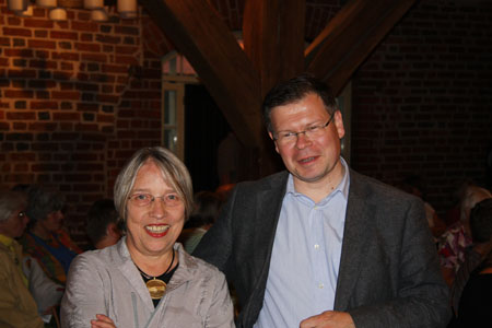 Antje Vollmer und Museumsdirektor Joachim Mähnert
