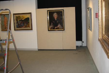 """Einblick in den Ausstellungsaufbau zu """"Auserwählt"""". Die Ausstellung ist vom 13. April bis 22- September 2013 zu sehen."""