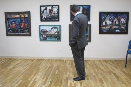 Kurator Dr. Barfod führte zur Ausstellungseröffnung in das Thema ein
