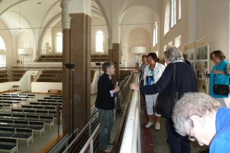 In der Petri-Kirche, die 1962 zu einem Schwimmbad umgebaut wurde
