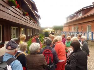 Unsere Gruppe vor dem Hotel Nidos Smilte