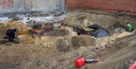 Archäologen finden zwei mittelalterliche Kloaken