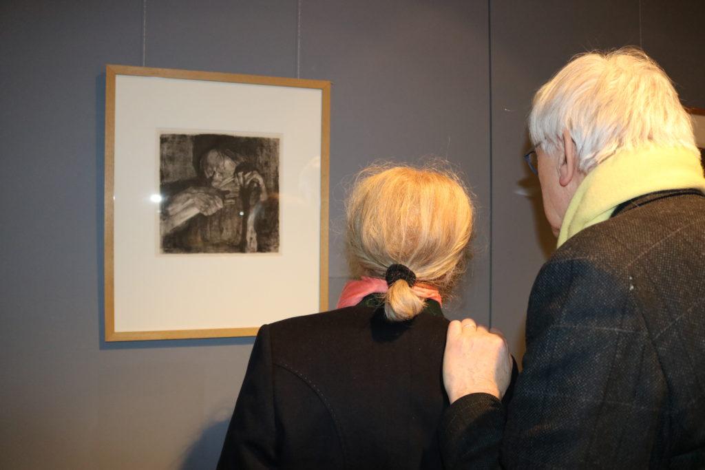 Besucher der Vernissage zur Ausstellung Käthe Kollwitz am 21.2.2020
